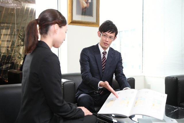 プロのアドバイスを受けられる就活サービスを利用する