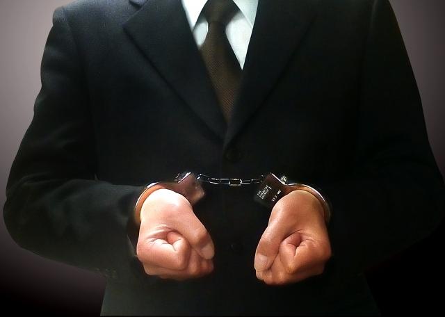 企業に拘束される内定者