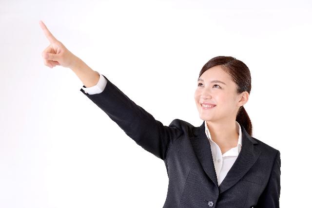 女性 就活学生 スーツ